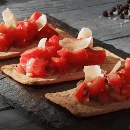Salmas with Tomato with basil