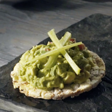 Rice cake with guacamole